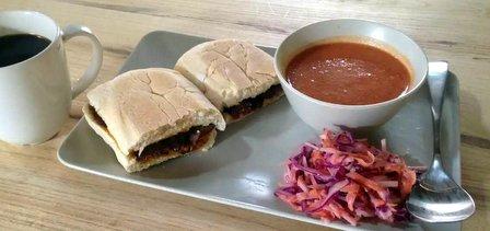 tuk tuk sandwich shop Zak Elmasri fangjia hutong beijing china (4)